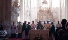 Érseki szentmise