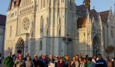 Mátyás templom előtt