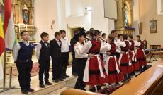 A petrozsényi magyar gyerekek ünnepi műsora