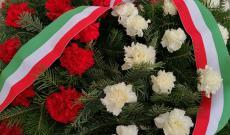 Március 15-e alkalmából, főhajtással helyezték el a kegyelet koszorúit, a bukaresti magyar közösség képviselői