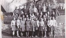 Osztálykép magyar végzős diákokkal 1966-ból
