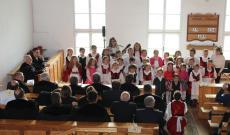 A gyernekek énekelnek