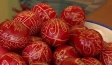 Piros tojások.jpg