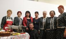 Borsi település képviselői polgármesterükkel