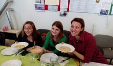 A legényfogó leves és a vendégek