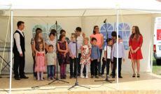 a fakultatív magyar oktatásban résztvevő gyermekek műsora