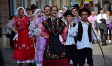 Felvonulás a Bascarsiján