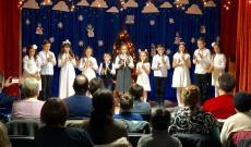 Idén a kisiskolások furulya koncerttel készültek az ünnepségre.