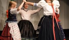 A tanárok és diákok üveges tánca