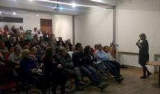 Prof. Navracsics Judit a kétnyelvűségről ad elő