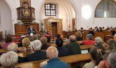 A gyülekezet, Forrás: Dávid Lajos