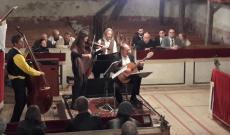 A magyar küldöttség az előadás közben