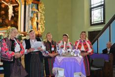 Balog Zoltán miniszteri biztos is hallgatja a pokolpataki asszonyok előadását