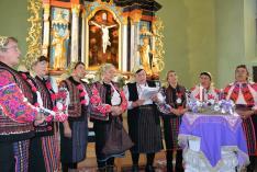 Pokolpataki asszonyok előadása a brassói evangélikus templomban