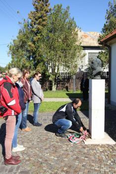 Koszorúzás Szklabonyán