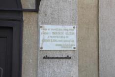 Emléktábla jelzi Mikszáth Kálmán és Mauks Ilona mohorai esküvőjét