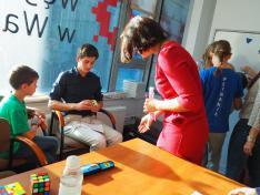 Rubik- kocka bemutató a Lengyelországi Magyar Egyesületnél