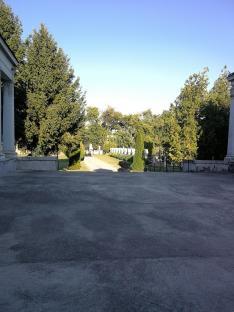 Zombor, a fák városa; ezt tükrözi gyönyörű Szent Rókus temető is.
