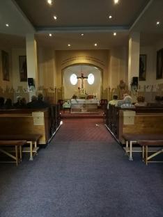 Szent Kereszt templom oltára.