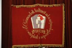 Szabó Gyula festőművész által tervezett logó