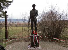 Petőfi szobra a fehéregyházi múzeum kertjében