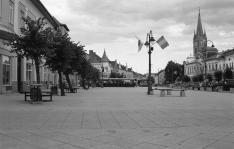 Belvárosi utcakép Tordán