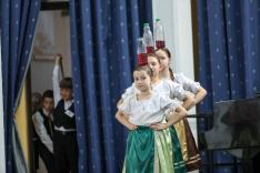 Az ungvári Kis Csüllő somogyi eszközös táncokat hozott a versenyre