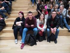 Udvarszállási fiatalok a műsorra várva