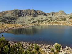 Bucura-tó és a Slavei gerinc