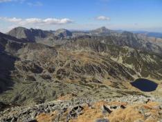 Gales-tó,háttérben a Peleaga, Bucura 1 és Retyezát csúcsok