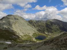 Papusa csúcs és Imola-tó