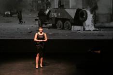 Lőrincz Rita színművésznő énekel