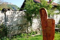 Dávid Ferenc szobor - Az unitárius parókia kertjében