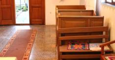 Kéthetente vannak misék, melyekre Ürögből érkezik katolikus pap