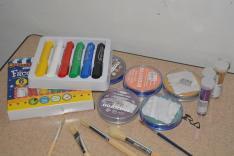 Arcfestés - eszközök