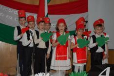 A Rahói Magyar Iskolások ünnepi műsora