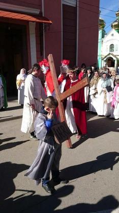 Keresztút Rahón - Jézus a kereszttel