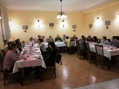 Közös vacsora a Piroska Panzióban