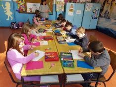Kézműveskedés Kisoroszon