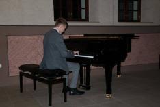 zongoraművész