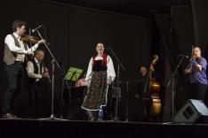 Kemény Mária és a Csörömpölő zenekar