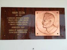 Hanvai Zoltán emléktábla a Hanvay-kúria falán