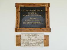 A Hanvay-kúria diakóniai központjának emléktáblája