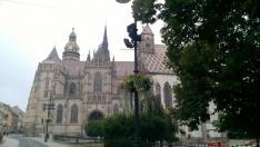 Kassa, Szent Erzsébet-dóm a háttérben, előtérben a Szent Mihály-kápolna