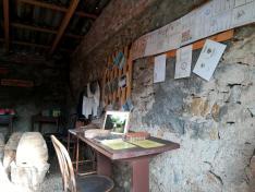 Beretkei János méhészigazolványai a falon