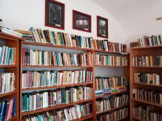 A kúriában berendezett könyvtár