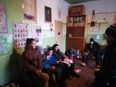 A csizmák megtalálsa után, az azokben rejlő hagyományok megbeszélése