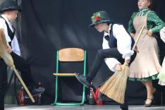 Mezőföldi táncok a Kincső táncegyüttes előadásában (Kisgejőc)