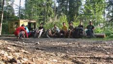 Pihenő a szerpentinen, még az erdőhatár alatt