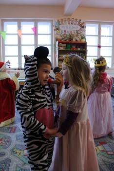 Zebra és királylány tánca